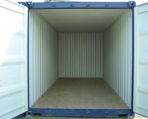Her er en blå 20' container du kan leje eller købe hos containersalg.dk